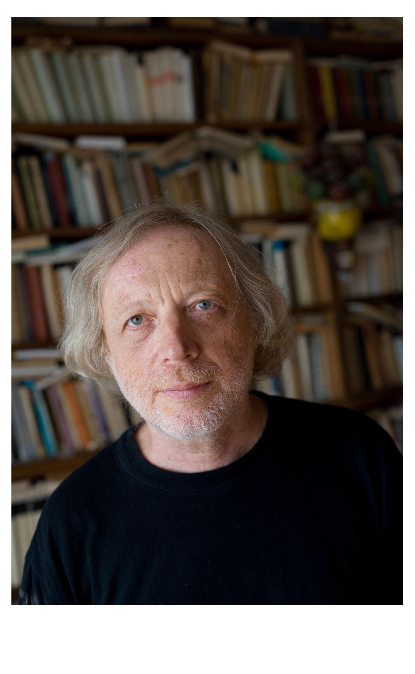 Michal Ajvaz uznawany jest za wybitnego przedstawiciela nurtu realizmu magicznego w literaturze czeskiej.